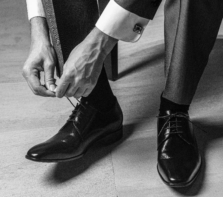 写真:革靴